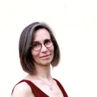 Portrait Pascale Maire créatrice de sites web avec Wawaweb